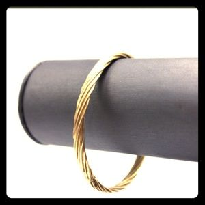 Jewelry - Sold! 14k solid yellow gold bangle 6.5g